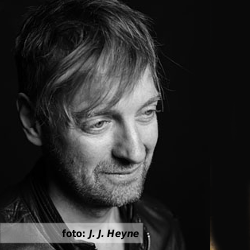 De platenkast van Roald van Oosten - interview over en met muziek. Foto Roald van Oosten: J. J. Heyne