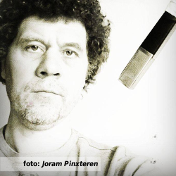 De platenkast van Joram Pinxteren - interview over en met muziek